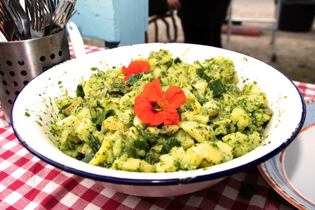 Sommerkräuter Kartoffelsalat - Foto von Lena Schroeter