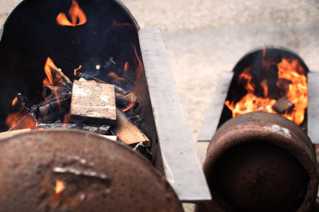 die Grills sind angefeuert - Foto von Lena Schroeter